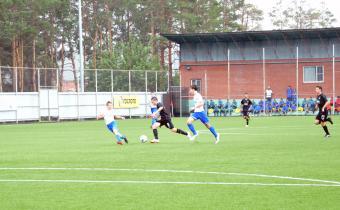 «Локомотив» и «Спартак» громят своих соперников