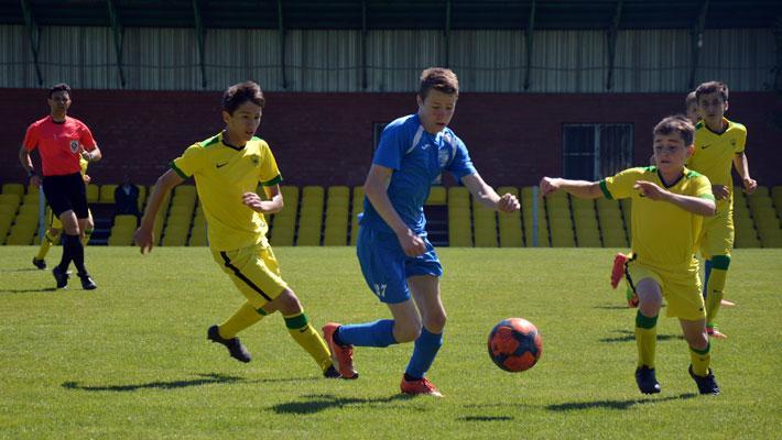 Результативный матч двух равных команд Сибирь - Анжи